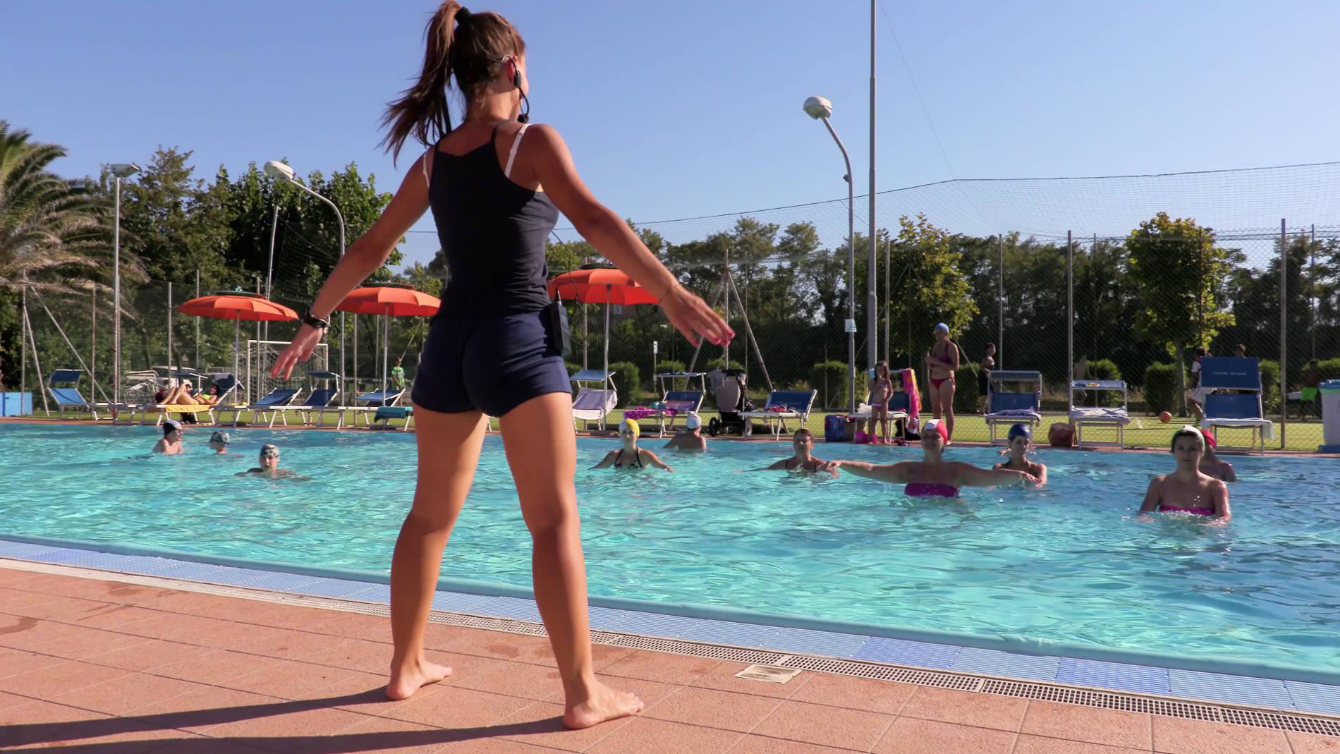 piscina camping marche